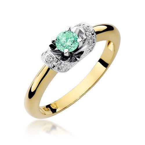 złoty pierścionek na zaręczyny